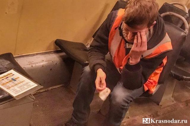 Разбили кирпичом голову водителю трамвая в Краснодаре